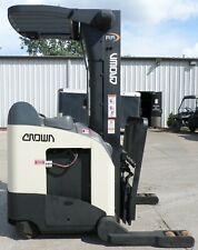 Crown Model Rr5220 45 2001 4500 Lbs Capacity Reach Electric Forklift