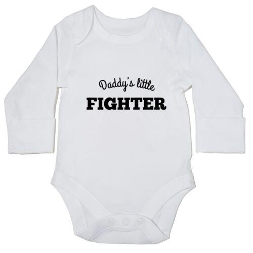 Daddy/'s Little FIGHTER Baby Body Manica Lunga Nuovo Regalo Papà Divertente Simpatico 15310