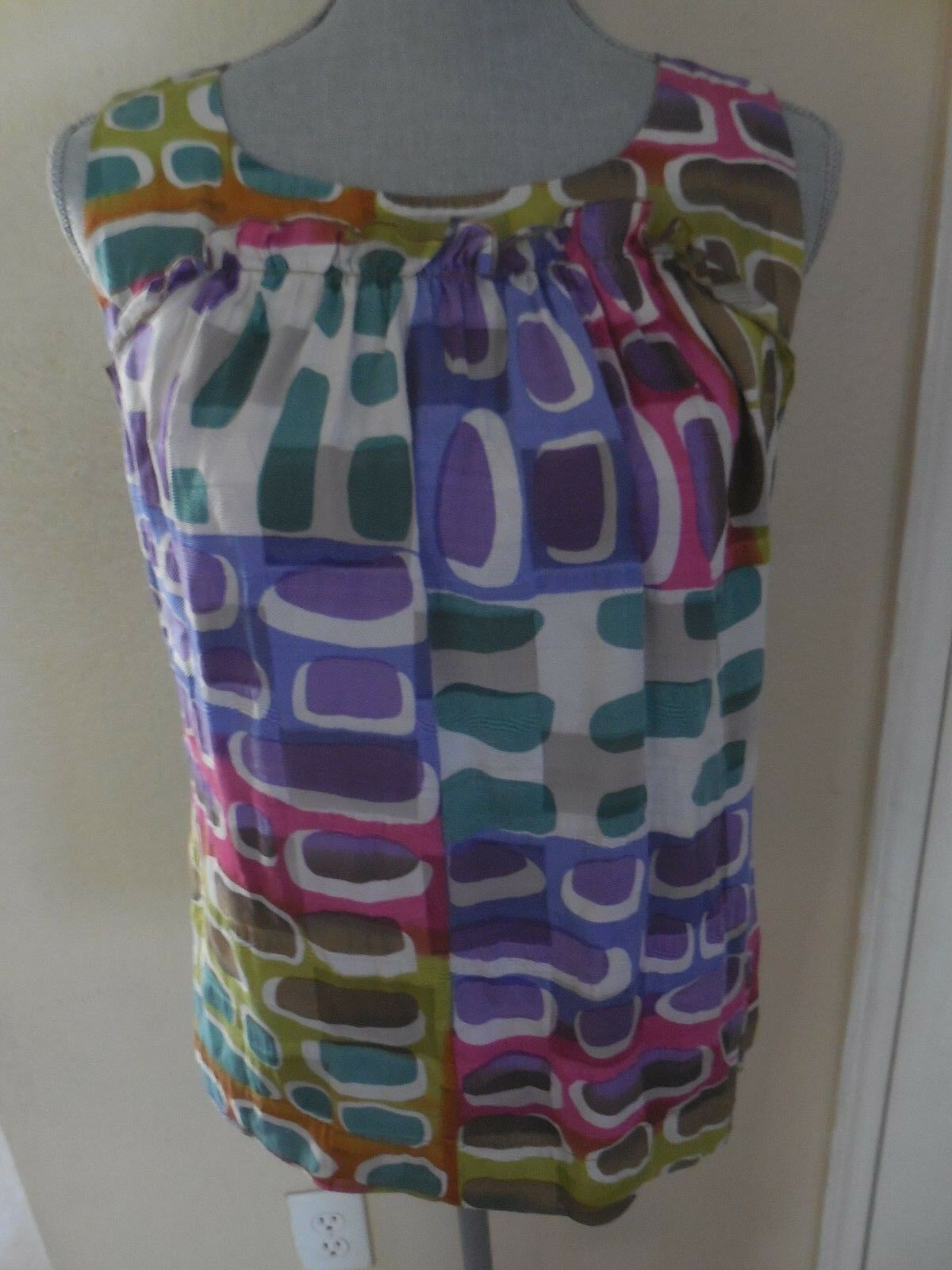 St. John Couture 6 Sleeveless Silk Lined Loose Top