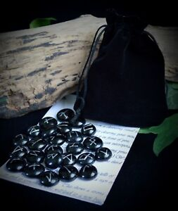 25-GLASS-RUNE-STONES-amp-Velvet-BAG-Wicca-Pagan-Witchcraft-Runes-Divination