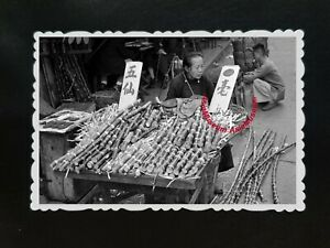 50s-Vintage-Hong-Kong-Photo-B-amp-W-Women-Sugar-Cane-Roadside-Stall-Old-Street-142