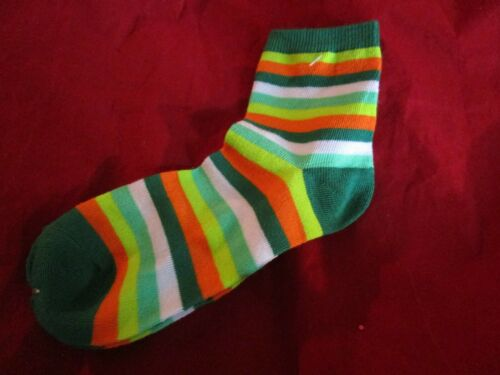 2 pairs of Womens Novelty Socks Red Green Pink Stripes 9-11 fits Shoe 5-9