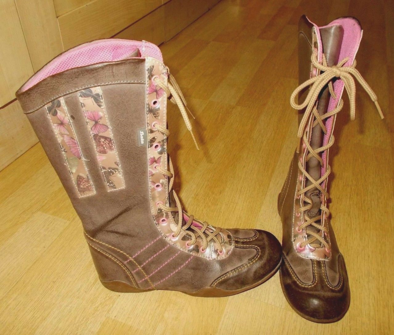 Ladies BATA Beige with Butterfly Design Lace Up Mid Calf Flat Boots - Size UK 4