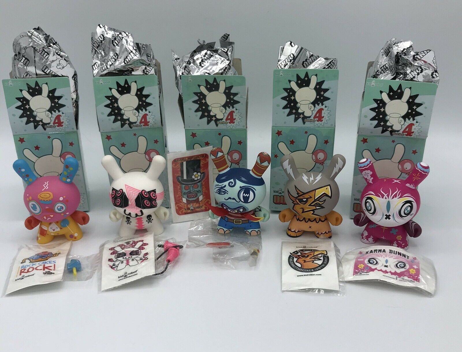 Kidrobot Dunny Series 4 Four Set Various Artists 3  2007
