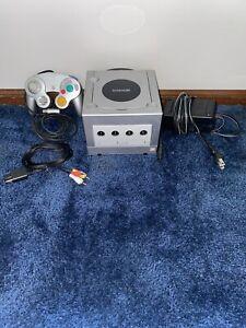 Nintendo GameCube Console (DOL-101) with Original Controller - Platinum Silver
