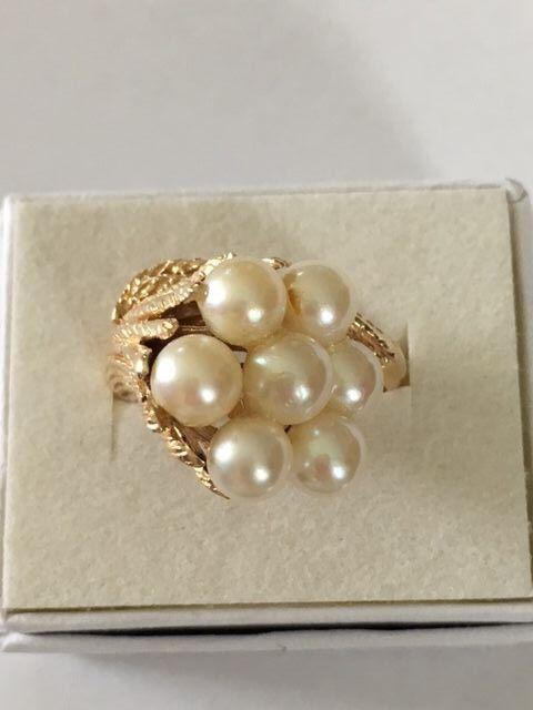 Pearl ring 14k yellow gold flower design