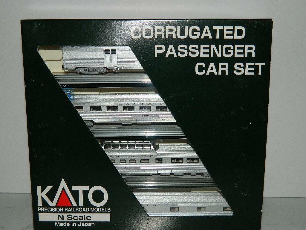 Kato scala N a & Babbo Natale FE1 Corrugated passeggero 4 Auto Set B  1061603, Nuovo in Scatola