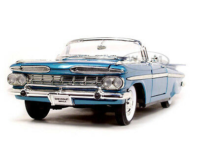 Broken 1959 CHEVROLET IMPALA CONVERTIBLE BLUE 1:18 BY ROAD SIGNATURE 92118