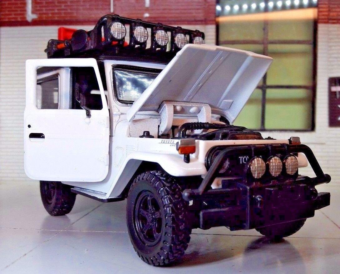 1 24 Escala TOYOTA LAND CRUISER CRUISER CRUISER FJ40 Expedition by MOTORMAX modelo fundido 49f218