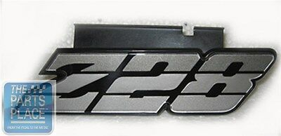 69-71 Camaro SS Grille Emblem with Retainer /& Nuts *Officially Licensed GM Part*