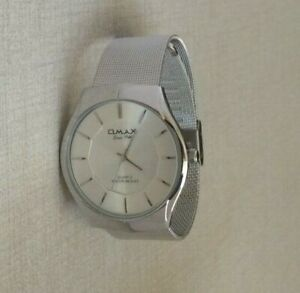 Omax-Men-039-s-Watch-Round-Silver-Dial-Slim-Case-on-a-Silver-Mesh-Band-Waterproof
