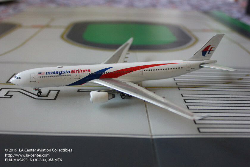 Phoenix - modell von airbus a330 - 300 in malaysia airlines neue farbmodell 1 400