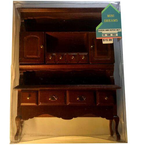 35 586 552 NIB Dollhouse Miniatures MINI DREAMS Queen Anne Hutch Walnut