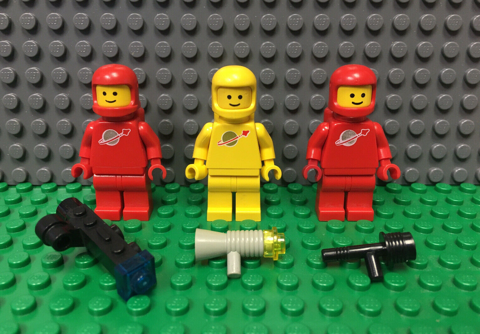 973px670 F4 # Lego Figure Minifig Classic Space-Floating Pattern cty436