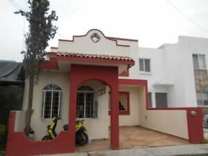 Se Vende Casa en Lomas de la Herradura en Villa de Álvarez, Colima.