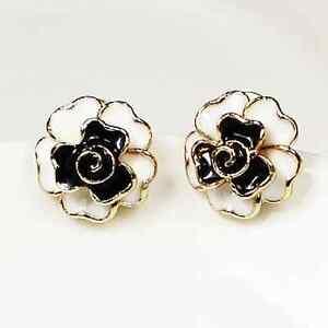 rosen ohrringe ohrstecker gold farbig schwarz weiss blume bl te rose ebay. Black Bedroom Furniture Sets. Home Design Ideas