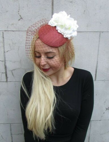 Rouille Crème Fleur Rose Birdcage Voile Fascinator Pilulier Chapeau races cheveux Vintage 6888