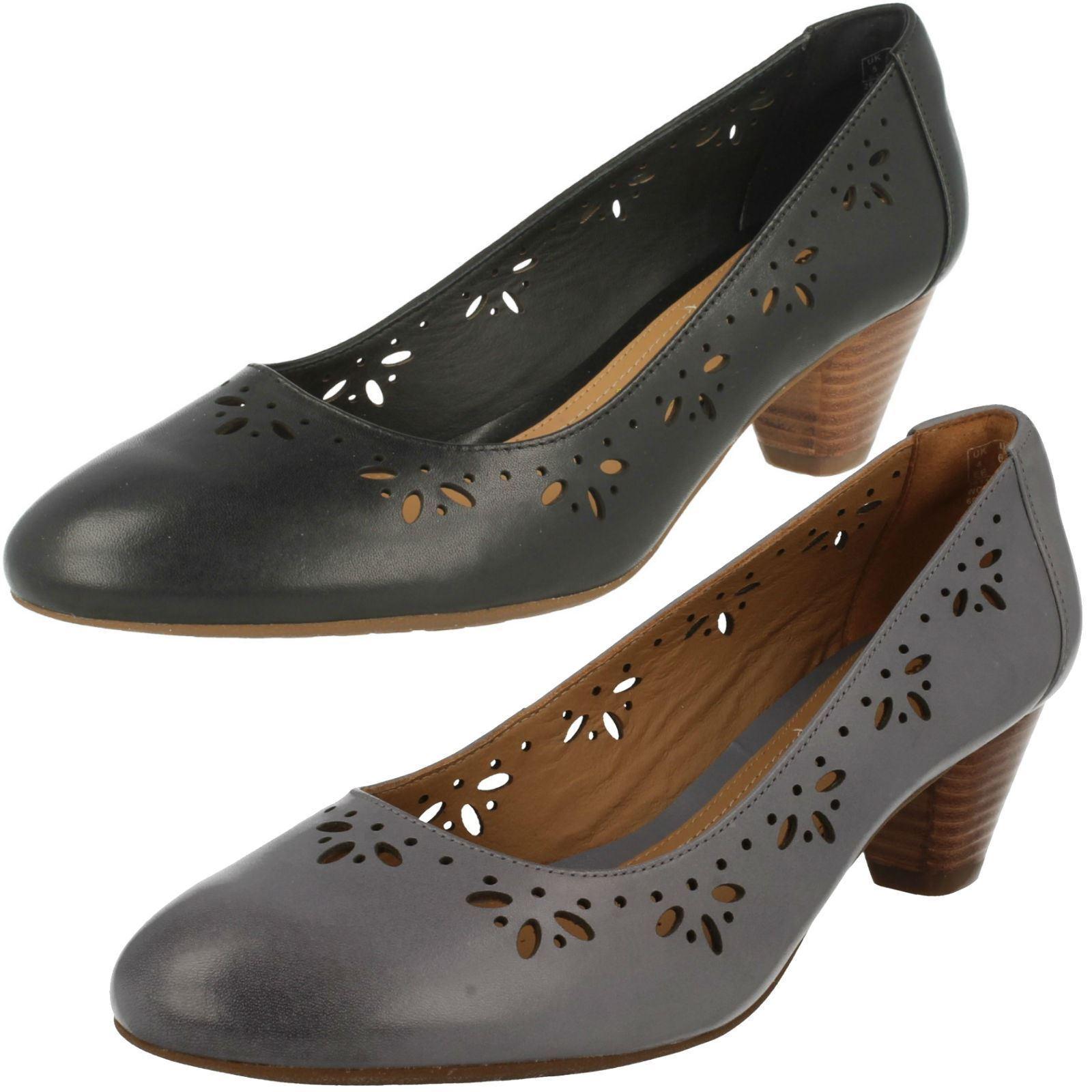 Damen Clarks Denny blenden Smart Pump mit mittelhohem Absatz Schuhe breit EE