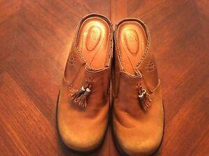 Ariat-Western-Style-Mendocino-Tassel-Clog-Mule-Leather-Shoes-Ladies-6B