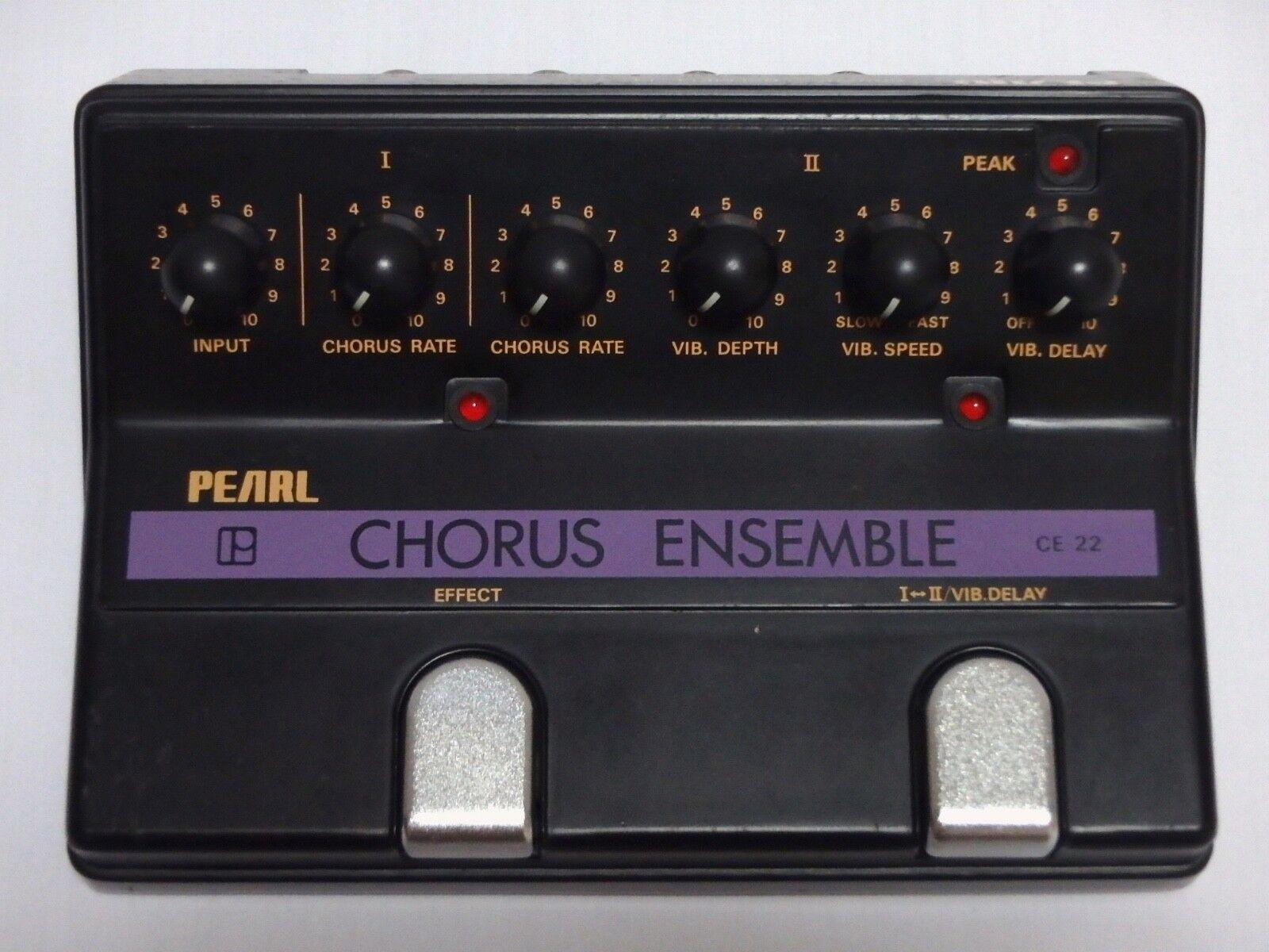 Vintage Pearl CE-22 Chorus Ensemble Chorus Vibrato Guitar Effect Pedal