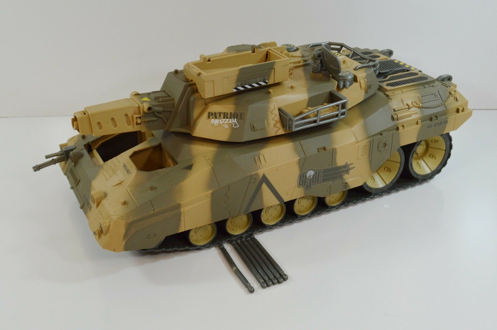 GI Joe vs COBRA Patriot Grizzly Tank 2003 Tested Working w  Missiles Sounds