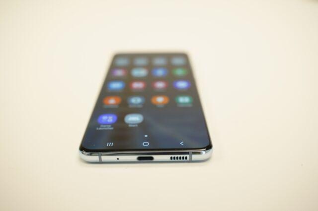 Samsung Galaxy S20 Plus 5G - 128 GB - Claro Locked - Blue B89