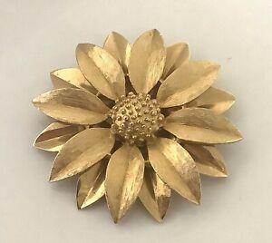 Sarah Coventry Silk Petal Design Gold Tone Polished Finish Satin Finish 1960 Era Vintage Jewelry Jewelry Sets  Free Shipping USA