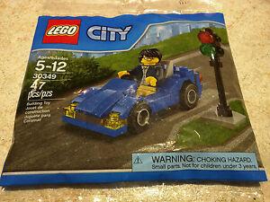 Lego CITY 30349 Sports Car Driver minifigure traffic light New polybag blue
