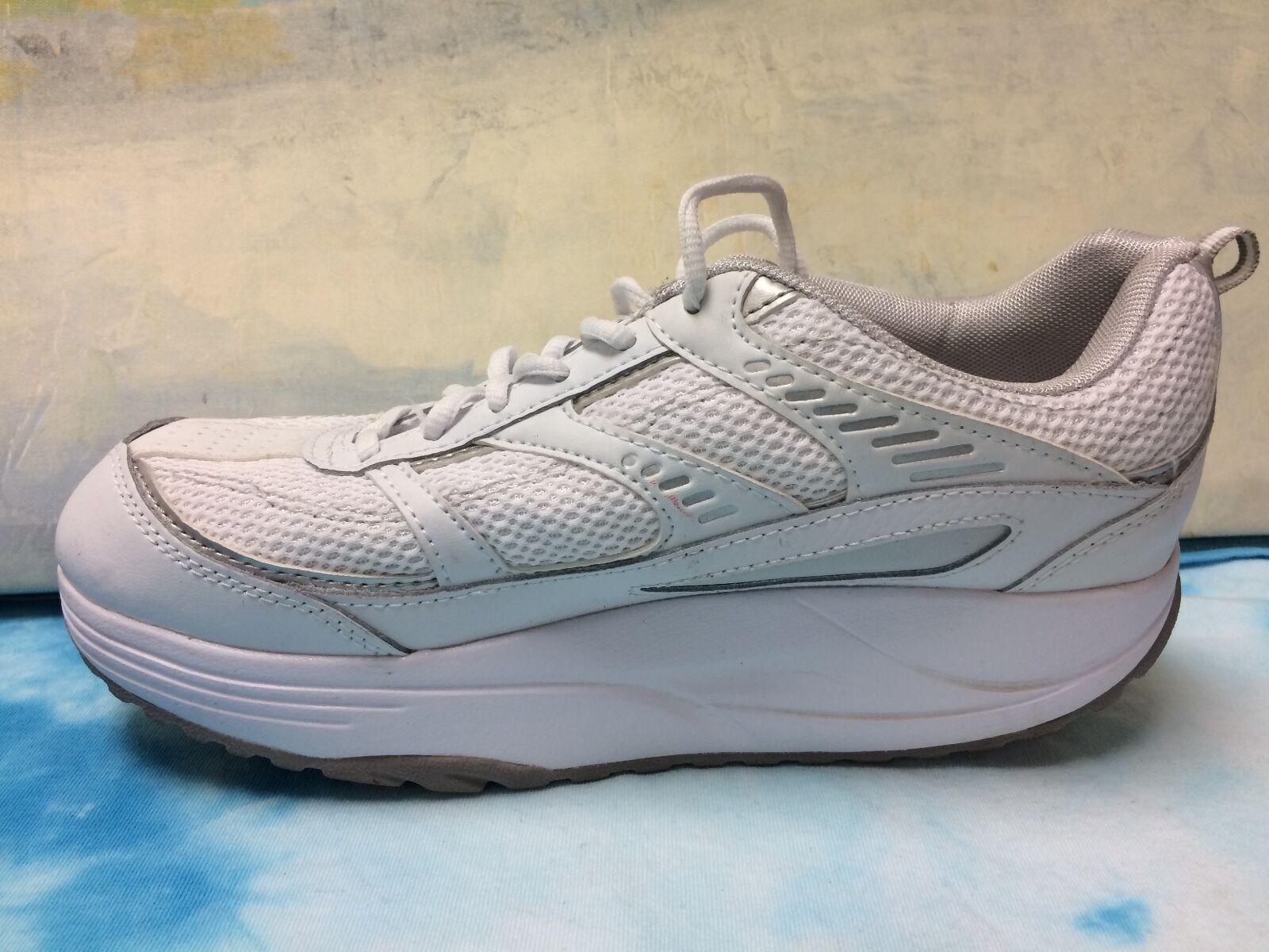 Danskin Womens White Leather Shape-Ups Sneakers size 9.5