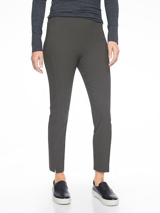 Athleta - Wander Slim Pants Arbor Olive size 14 US  NEW