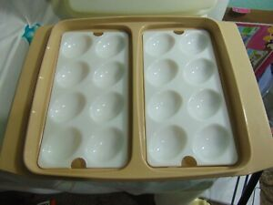 TUPPERWARE-VINTAGE-DEVILED-EGG-TRAY-CARRIER-KEEPER-WITH-LID-amp-2-EGG-INSERT-NICE