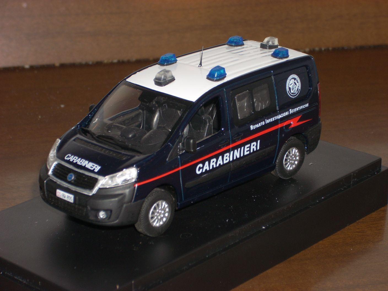 estar en gran demanda CocheABINIERI POLICE Fiat Scudo RIS investigazioni scientifiche scientifiche scientifiche  scala 1 43  genuina alta calidad
