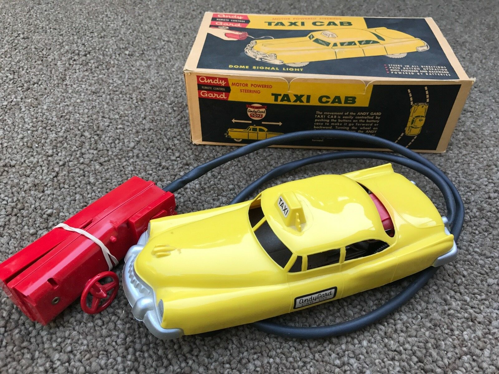 ey Gard REMOTE CONTROL TAXI CAB giocattolo   Batteries Early 1960's Rare Mint-in-scatola