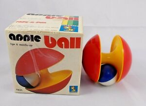 Apple-Ball-Vintage-Toy-3-5-034-UUTOY-Greenwood-International-of-America