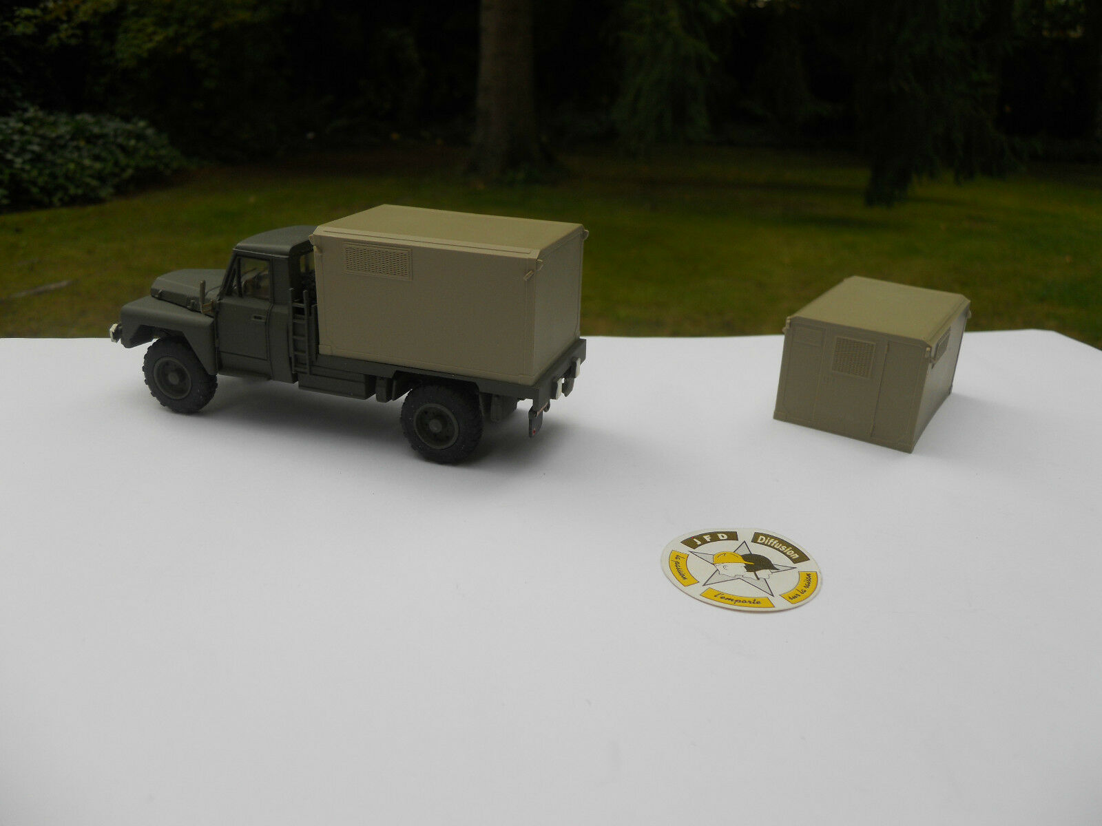 CEF REPLEX SHELTER SH 285 A 58 mm X 38 mm x 32 mm REPRODUCTION RESIN SAND