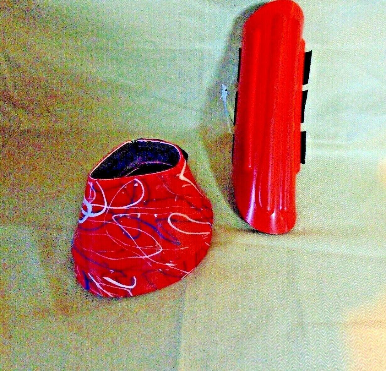 Davis medium Cheval Attelles et Bell bottes Paire de chaque (4) PIECES Med rouge