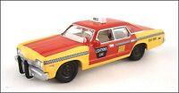 Johnny Lightning White Lightning • 1974 Dodge Monaco Taxi • Big Boats 2005