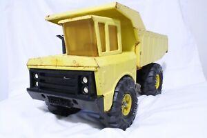 Vintage-1970s-Mighty-Tonka-Dump-Truck-Pressed-Steel-in-Yellow