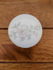 Porcelain-Trinket-Box-Pink-Rose-Pattern-Table-Top-Design-England
