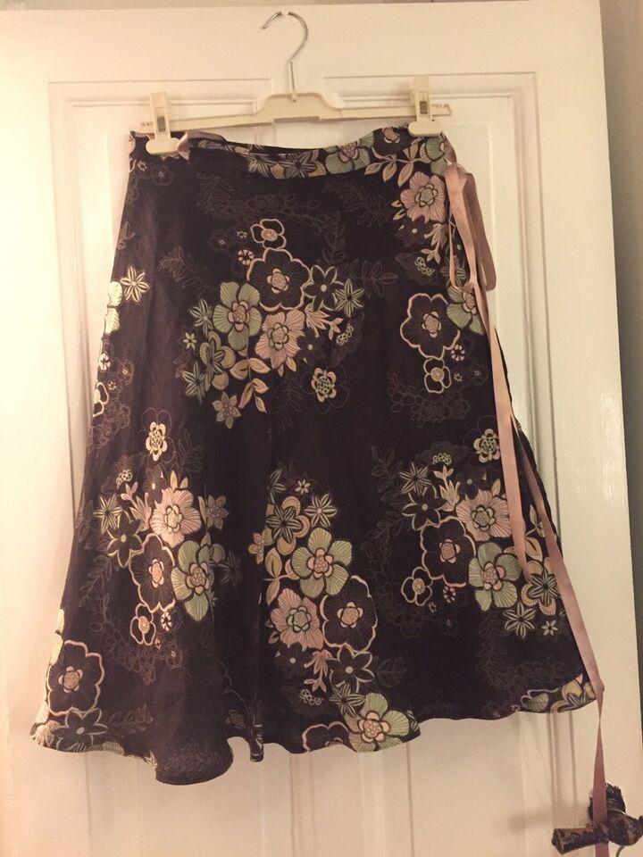 Slå om nederdel, str. One size, – dba.dk – Køb og Salg af