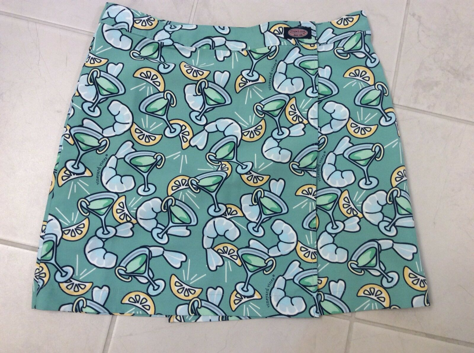VINEYARD VINES WRAP SKIRT SIZE XS - NEW WITH TAGS