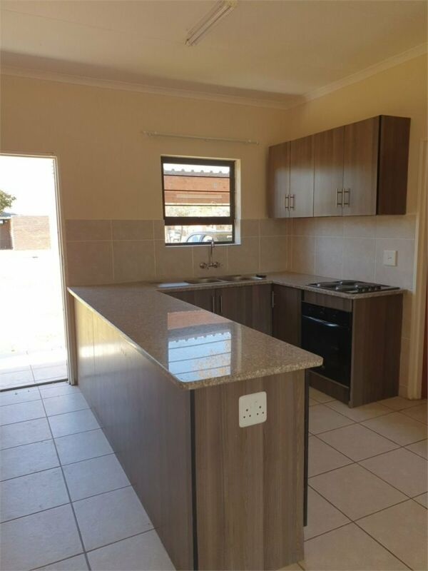 4 BEDROOM HOUSE TO LET IN ONVERWACHT