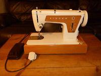 Singer 239 Sewing Machine in good working order