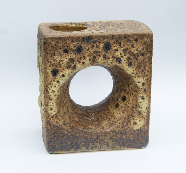 Große Vest keramiek / Keramik - Design van Woerden - FAT LAVA - Chimney-Vase