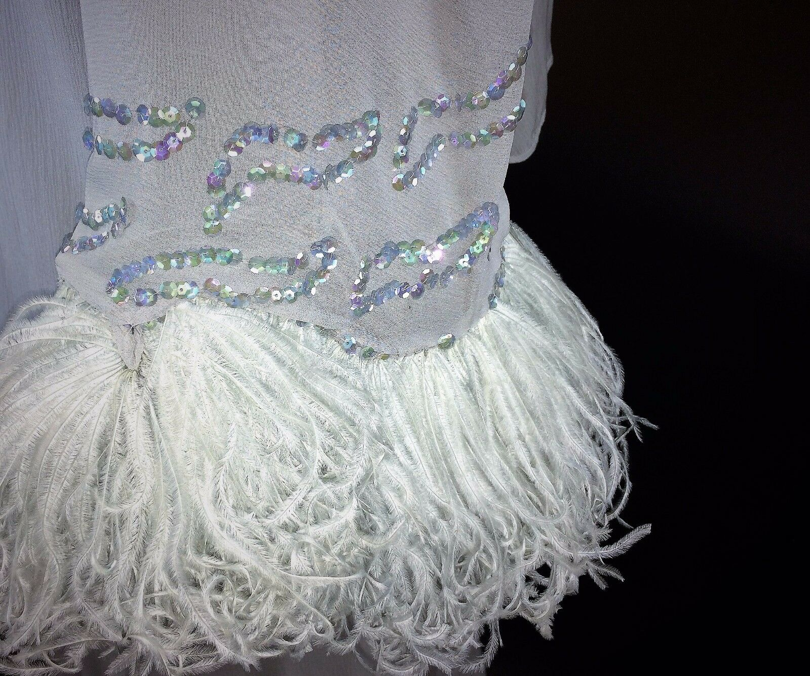 HAUTE COUTURE DRESS. SILK, SILK CREPE. MARABOU FEATHERS. FRANCE. CIRCA1950