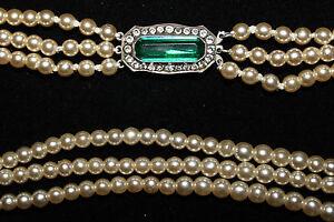 Green-amp-white-paste-set-diamante-silver-clasp-3-strand-vintage-pearl-necklace