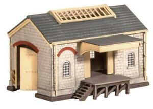 Ratio-220-N-Gauge-Goods-Shed-Kit