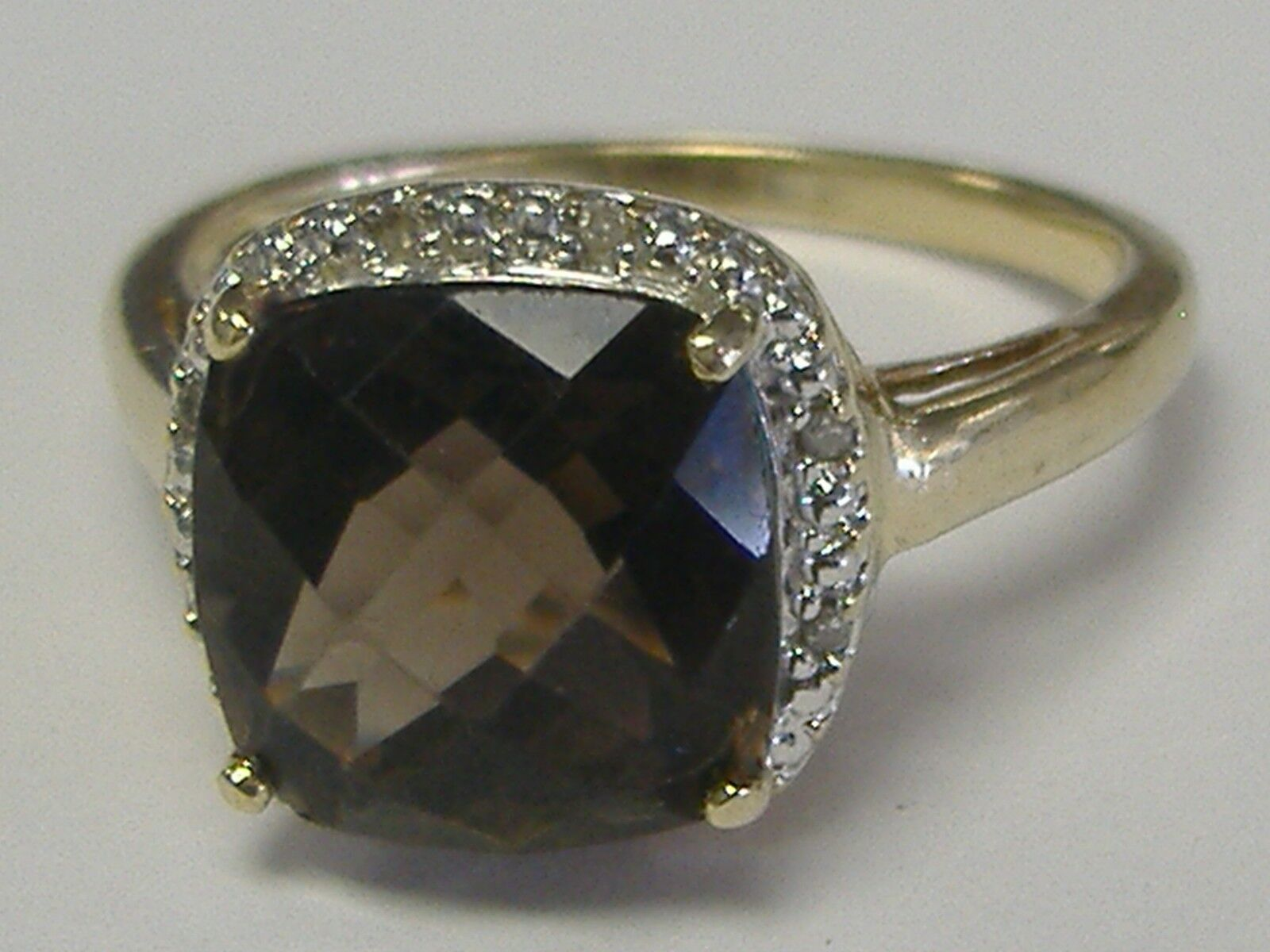VINTAGE 10 K SMOKY TOPAZ AND  DIAMOND ACCENT RING  SIZE 7,75-8