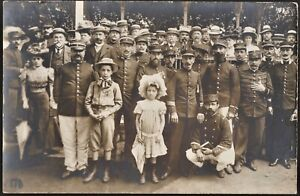 WW1-SOLDIERS-AND-CIVILS-SOCIAL-HISTORY-WAR-ANTIQUE-PHOTO-RPPC-POSTCARD