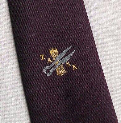 2019 Nuovo Stile Vintage Tie Cravatta Da Uomo Logo Aziendale Crested Club Associazione Società Borgogna-mostra Il Titolo Originale